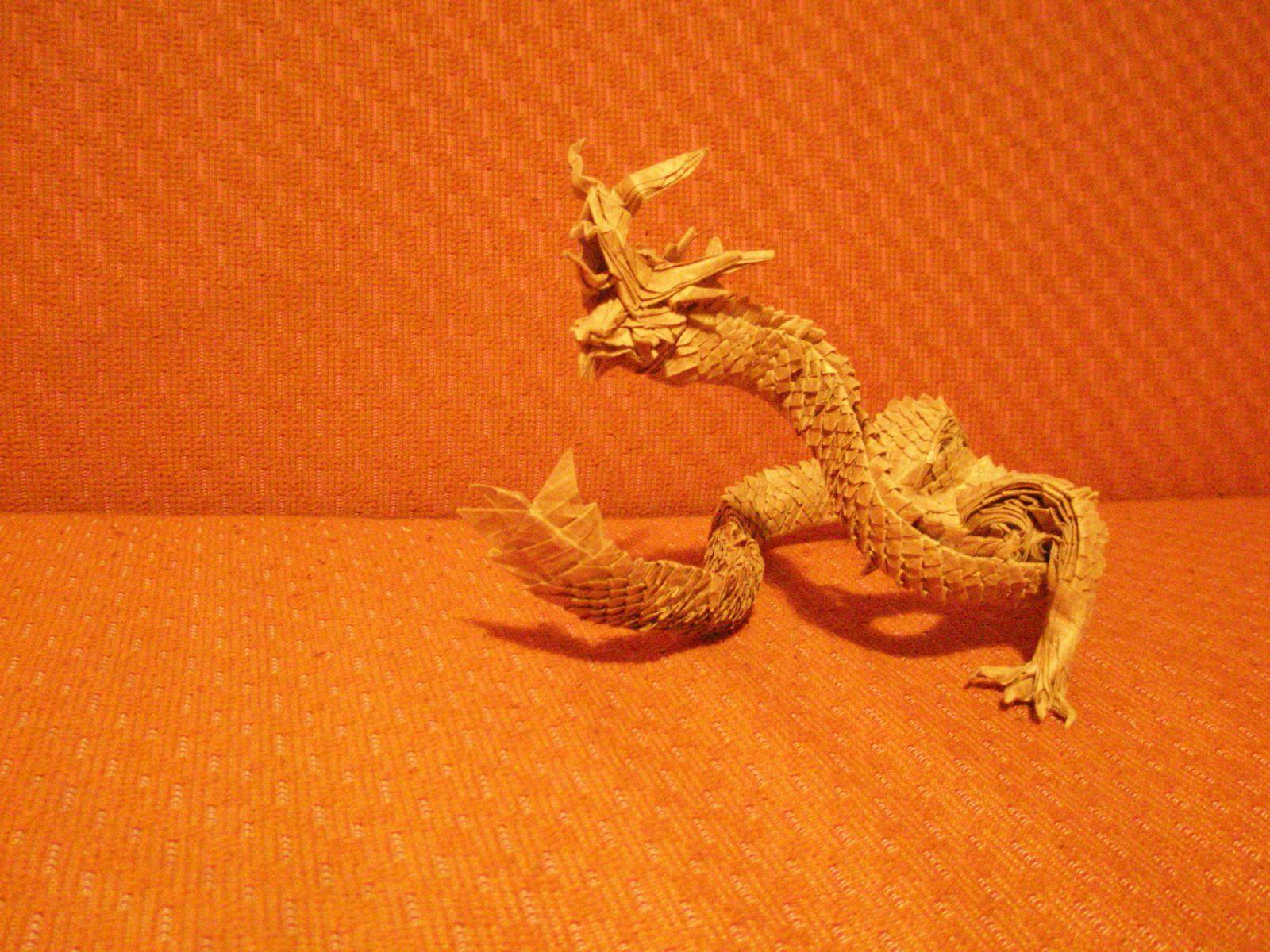 اریگامی اژدهای شرقی